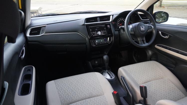Eksterior dan Interior Mobil